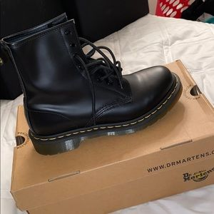 Dr. Martens Size US 8 Uk 6